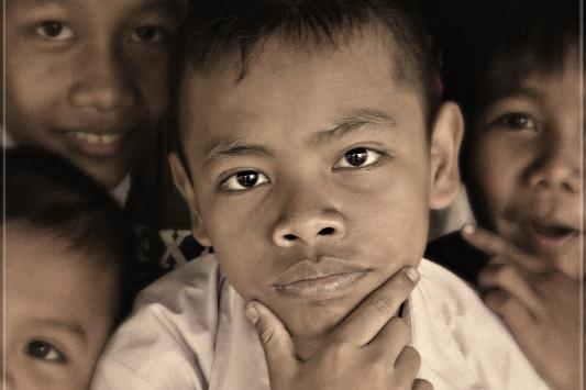 Gaze of hope – charity photo exhibition