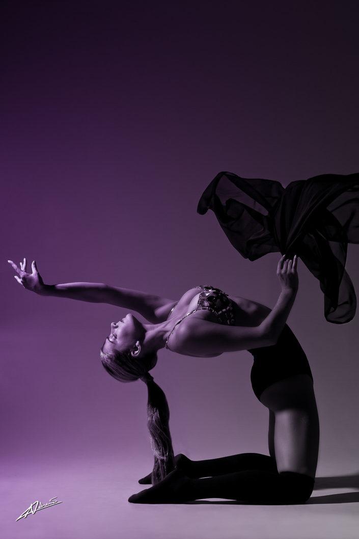 Portrait photography woman dancing.