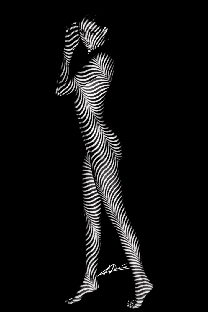 Projections-nude photography woman staying with black and white lines picture.